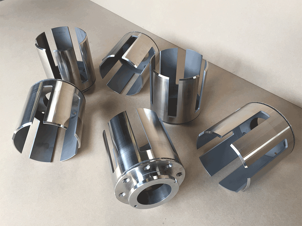 6 axis cutting a welded composite pipe